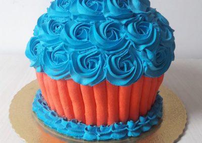 Smash the cake big cupcake